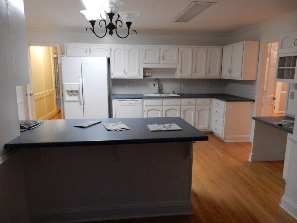 Before Dunwoody Contractor created Stone Mountain kitchen radius